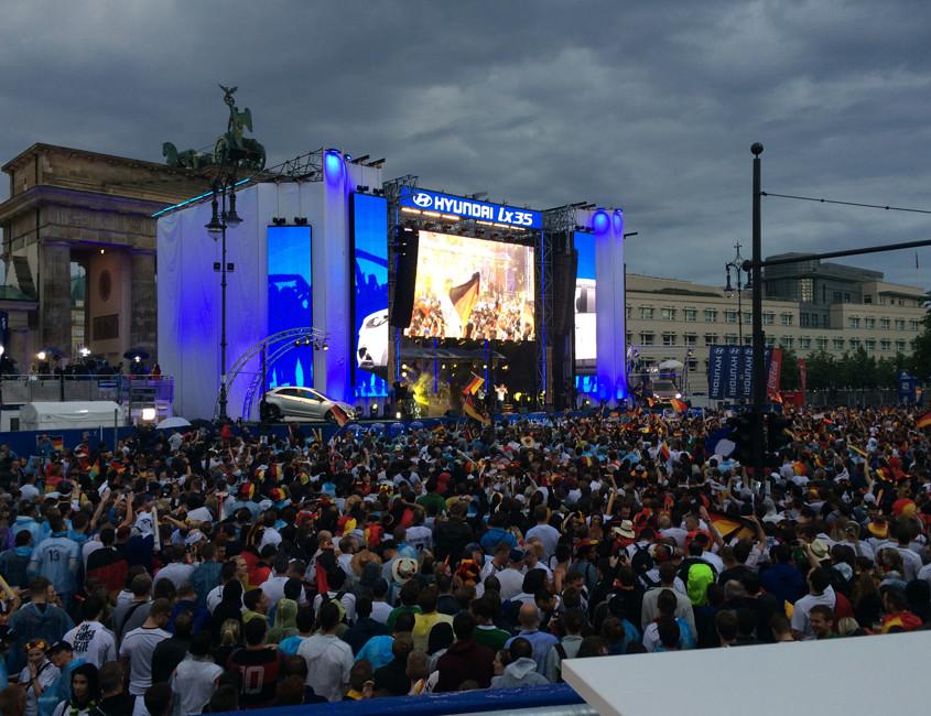 CS Com Solution WM 2014 Fanfest